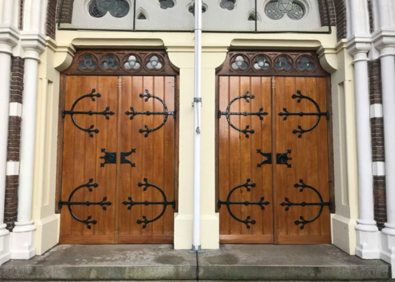 Alkmaar RK Laurentiuskerk, restauratie deuren
