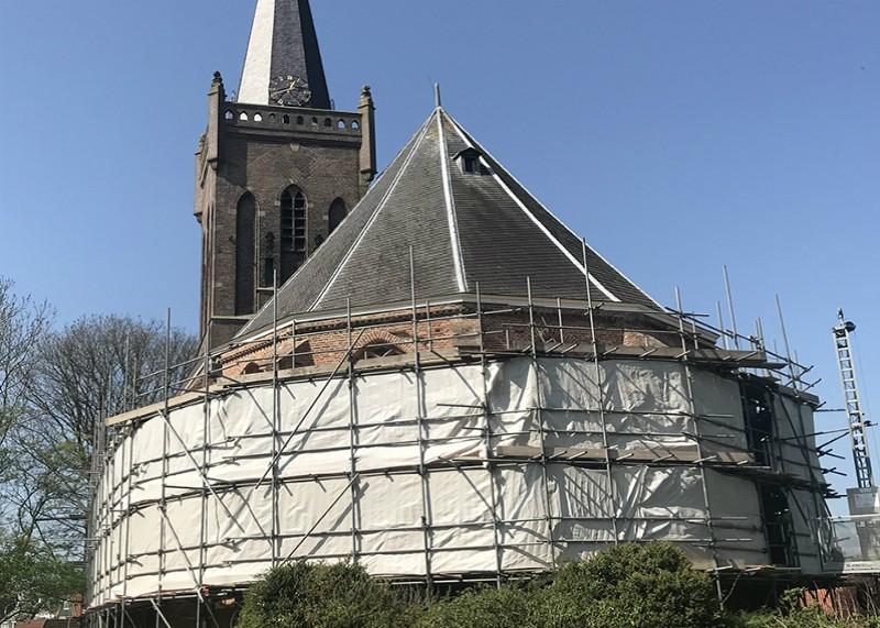 Hoogwoud, NH kerk, restauratie gevels- en dak